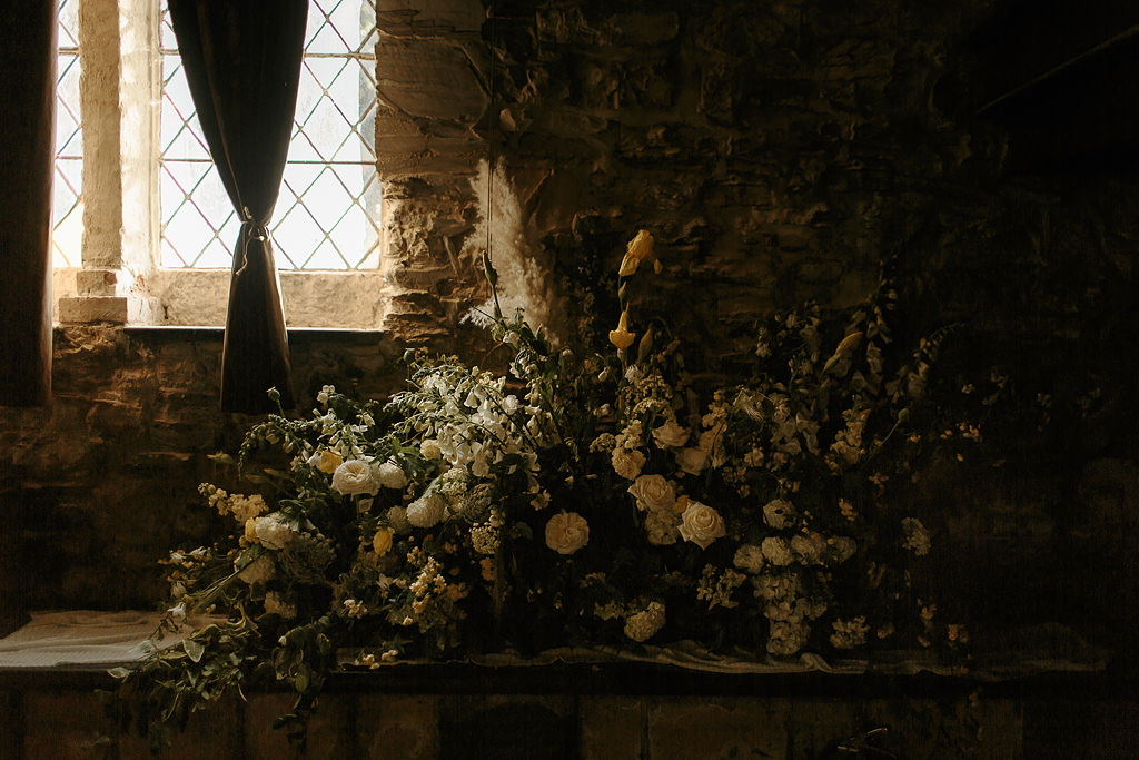 Unique Florists Macedon Ranges - Raven and the Rose at Montsalvat